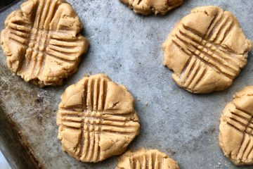peanut butter cookies like the school cafeteria ladies used to make