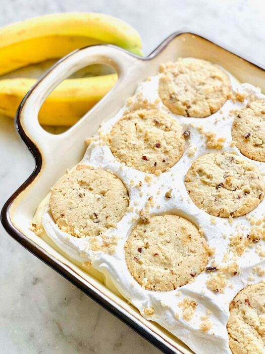 no bake banana pudding with shortbread cookies on top