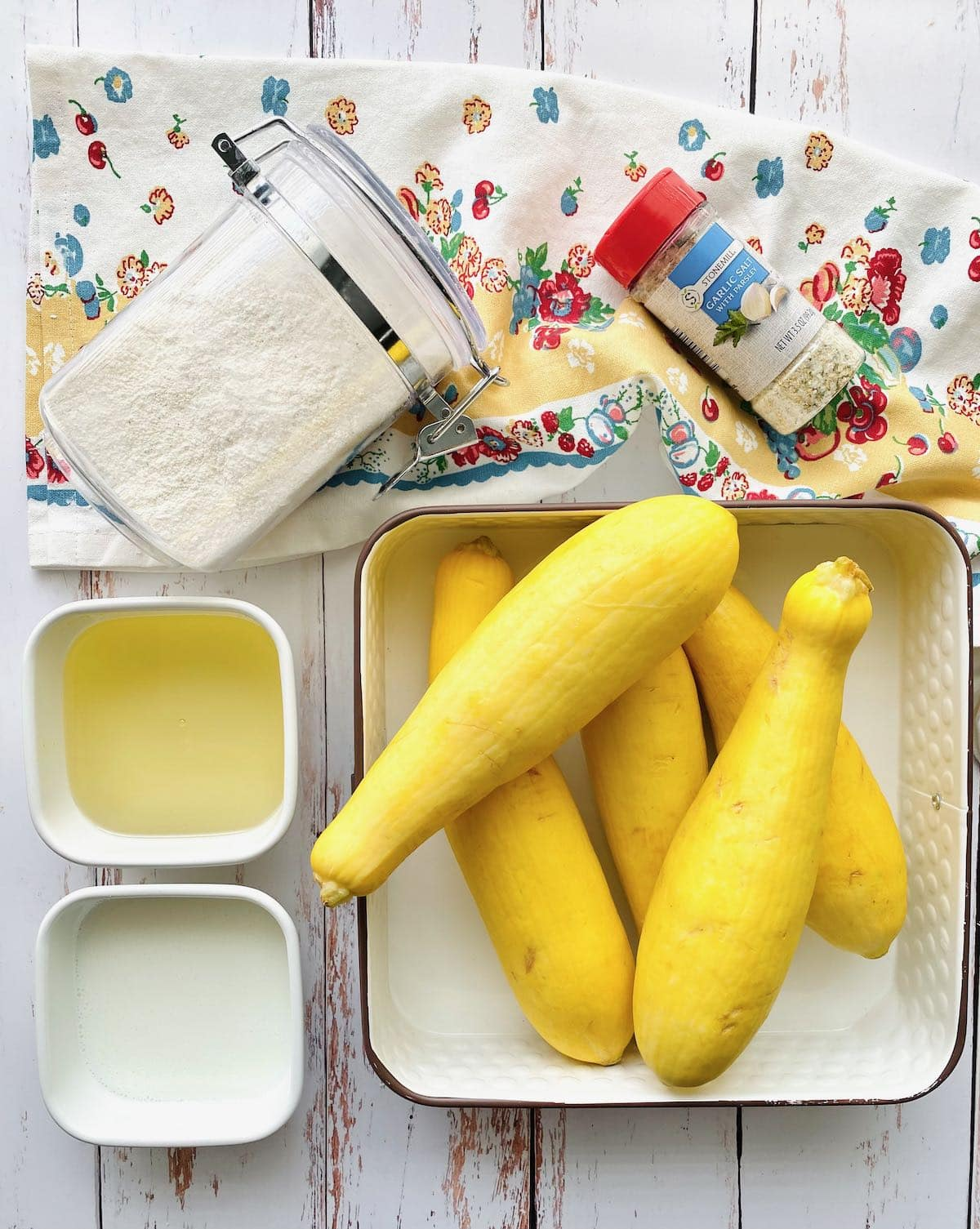 ingredients needed to make fried squash.