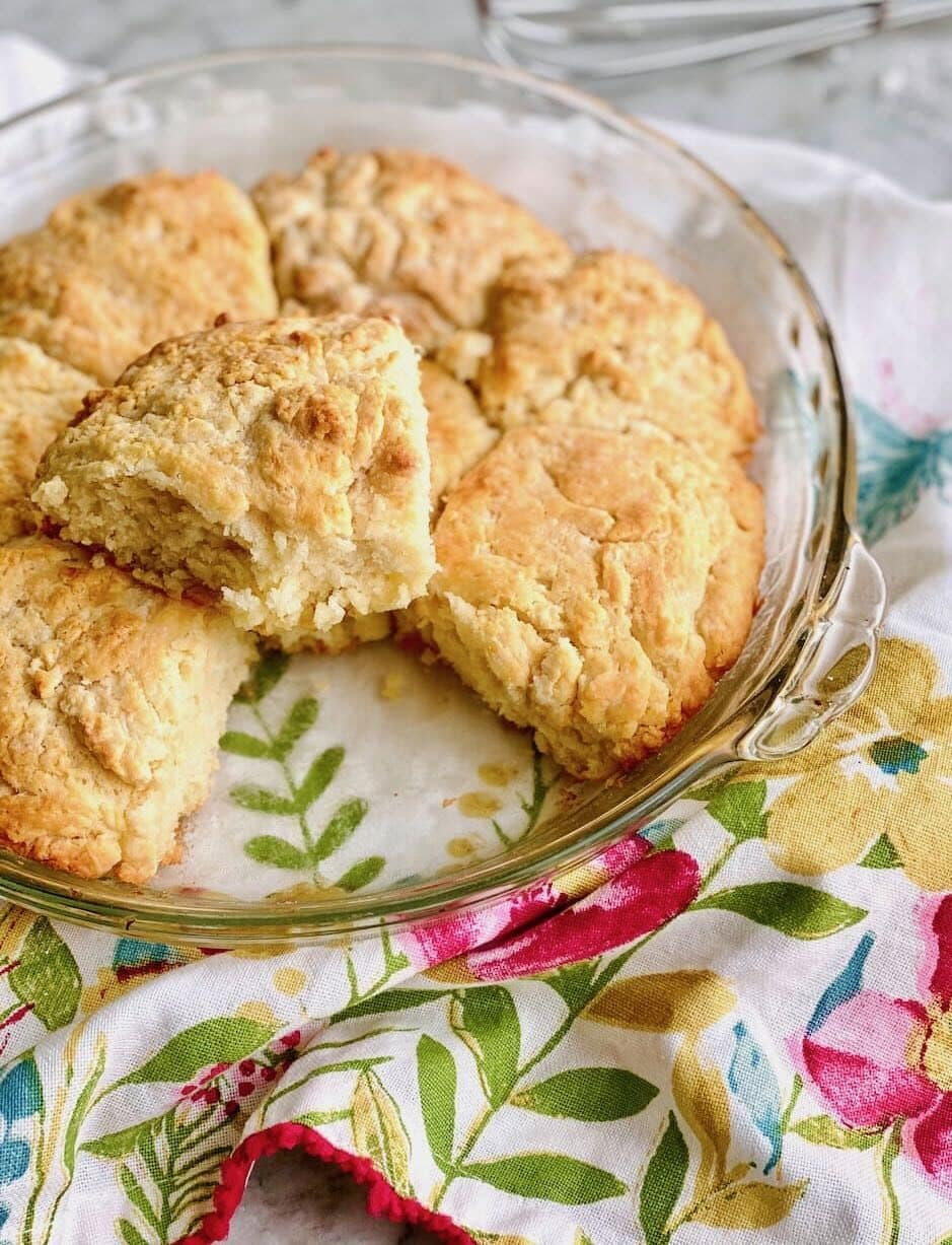 pie plate filled with buttermilk biscuits.