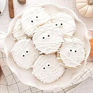 halloween mummy cookies in white.